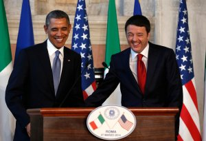 U.S. President Barack Obama and Italian Prime Minister Matteo Renzi arrive for a news conference following their meeting at Villa Madama in Rome March 27, 2014. Obama met with Pope Francis at the Vatican earlier in the day. REUTERS/Kevin Lamarque (ITALY - Tags: POLITICS)