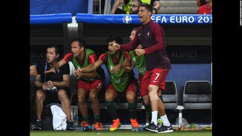 160710170039-21-euro-finals-france-portugal-0710-super-169